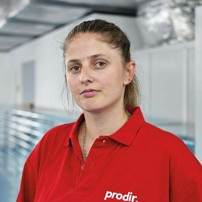 prodir pen -woman-employee