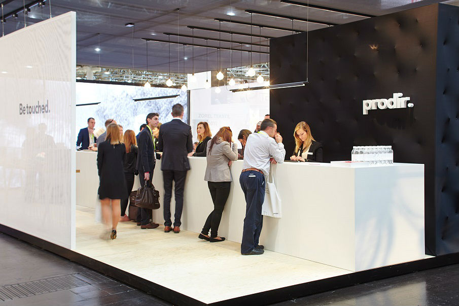 People at the Prodir stand PSI Show 2016